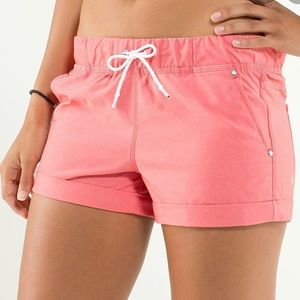 Lululemon Play All Day Shorts Size 6